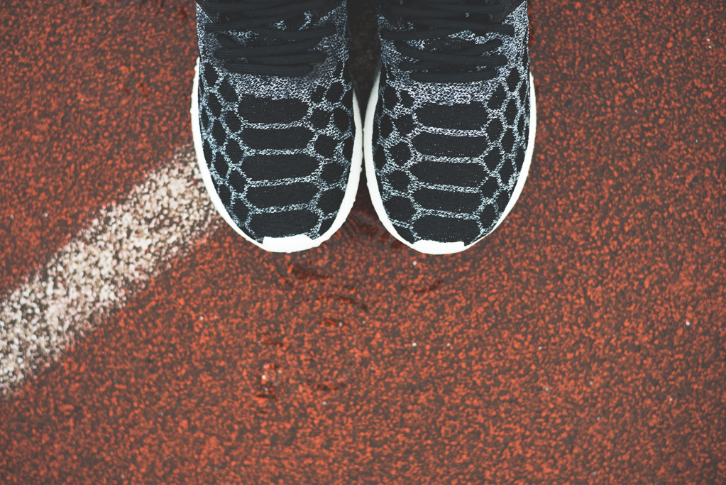 adidas-tubular-primeknit-black-carbon-02